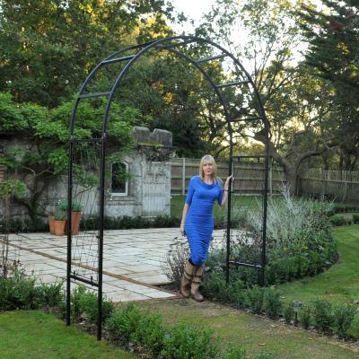 harrod roman half lattice standard garden arch